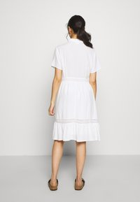VILA PETITE - VIJESSAS DRESS - Shirt dress - cloud dancer - 2