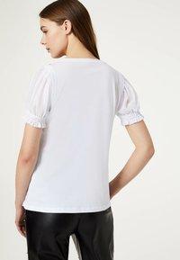 LIU JO - Camiseta estampada - white - 2