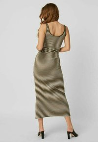 Vero Moda - Maxi dress - ivy green - 2