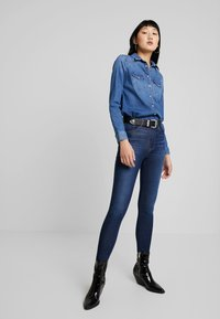 Levi's® - MILE HIGH SUPER SKINNY - Jeans Skinny Fit - on the rise - 1
