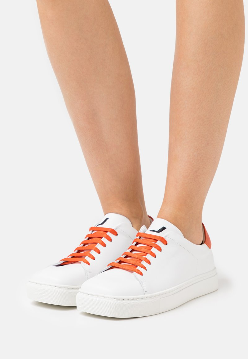 Joshua Sanders - EXCLUSIVE SQUARED SHOES  - Sneaker low - white/orange