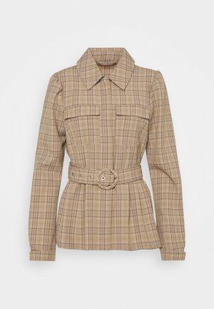 VIKRISTINA BELT JACKET - Summer jacket - camel