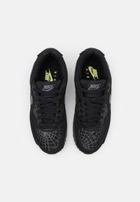 Nike Sportswear - AIR MAX 90 UNISEX - Trainers - black/smoke grey/limelight - 5