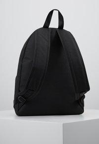 Calvin Klein Jeans - MONOGRAM CAMPUS BACKPACK  - Rugzak - black - 3