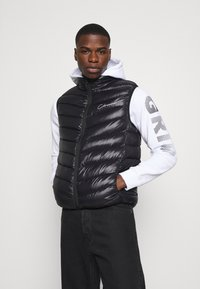 CLOSURE London - QUILTED GILET - Waistcoat - black - 3