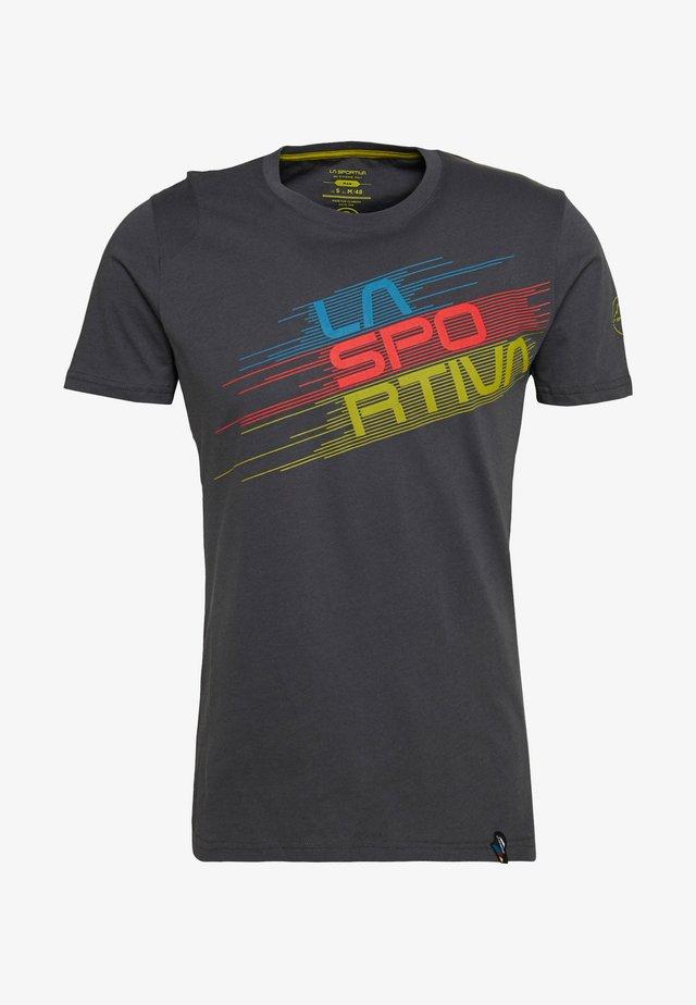 STRIPE EVO - Print T-shirt - carbon