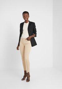 7 for all mankind - CROP - Jeans Skinny Fit - sandcastle - 1