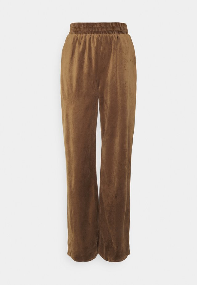 STRAIGHT LEG SPLIT FRONT TROUSER - Trousers - mocha
