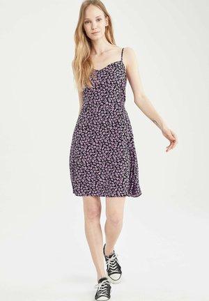 FLOWER PRINT - Korte jurk - purple