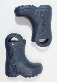 Crocs - HANDLE IT RAIN BOOT KIDS - Wellies - navy - 0