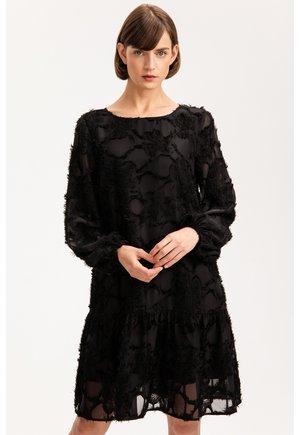 Sukienka etui - czarny