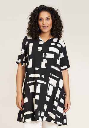 Day dress - black white patterned