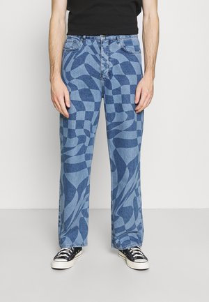 MAN X CURLYFRYSFEED WARPED CHECKERBOARD - Relaxed fit jeans - blue