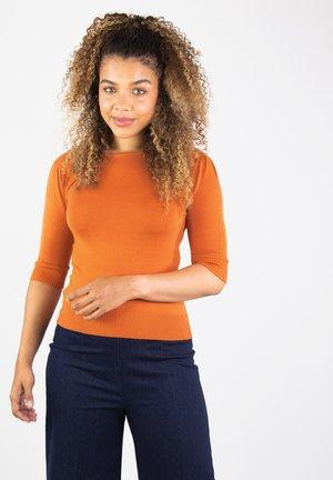 CHRISSIE - Jumper - orange