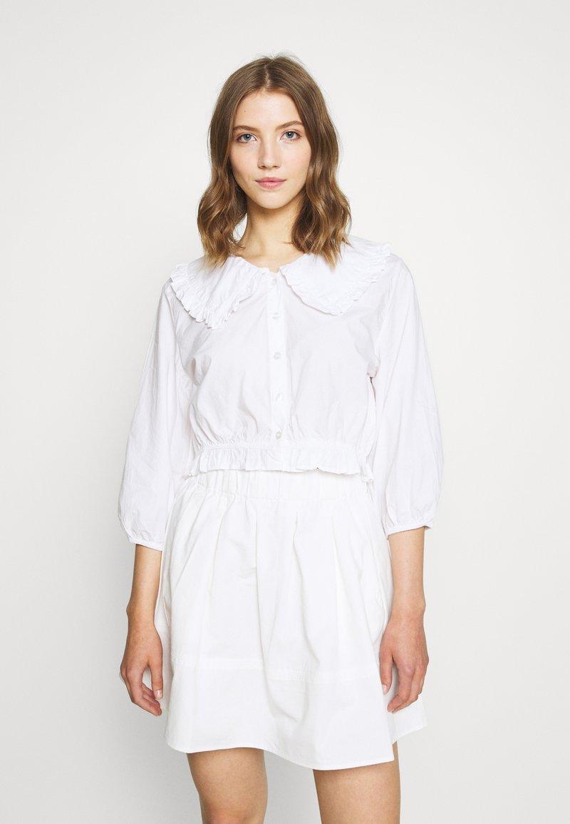 Monki - MILDA BLOUSE - Button-down blouse - white