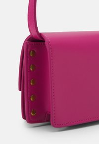 Versace Jeans Couture - CHARMS CROSSBODY - Across body bag - fuxia - 4