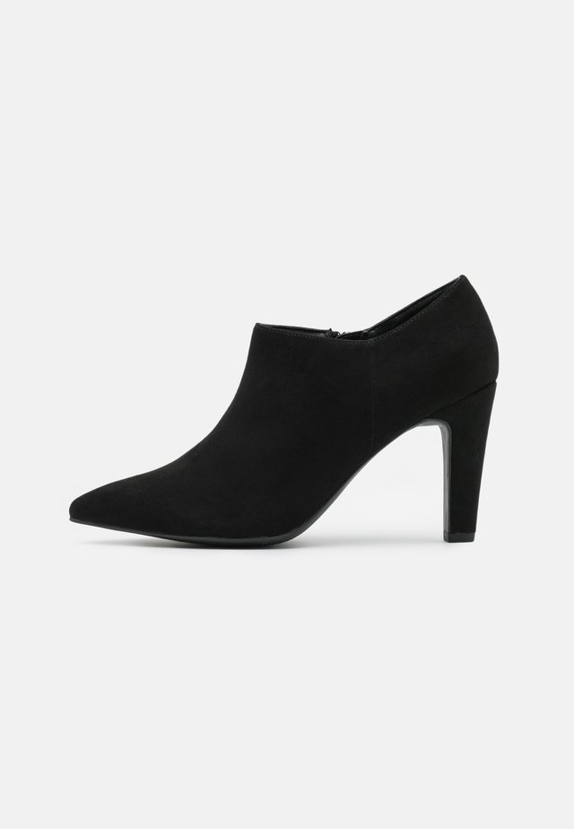 CYCLONE POINT - Classic heels - black