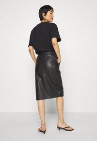 DAY Birger et Mikkelsen - DERI - Pencil skirt - black - 2