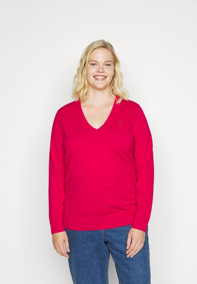 VNECK CURVE - Maglione - ruby jewel