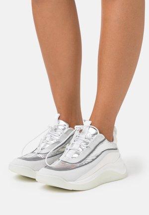STELLA - Baskets basses - argento