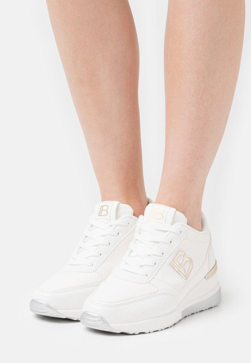 Laura Biagiotti - Sneakers basse - white