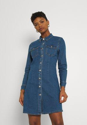 ONLBONNIE BUTTON DRESS - Denim dress - dark blue denim