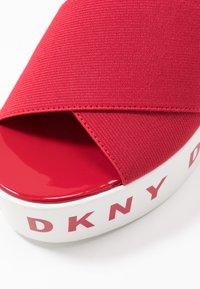 DKNY - CRISTI PLATFORM - Sandalias - red - 2