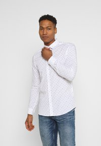 Only & Sons - ONSTAYLON DITSY - Camisa - bright white - 0