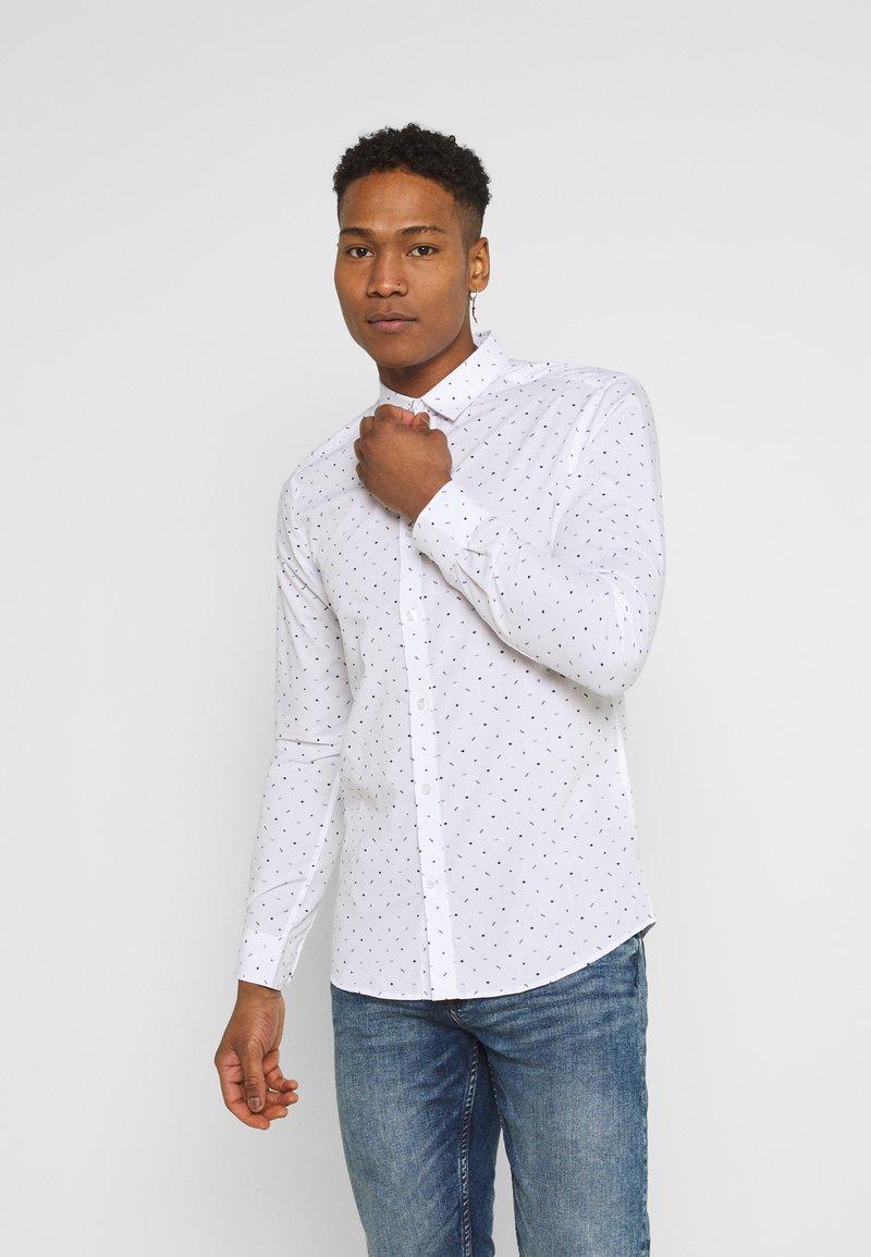 Only & Sons - ONSTAYLON DITSY - Camisa - bright white