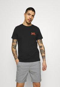 Jack & Jones - JORSIGNATURE TEE CREW NECK 5 PACK - T-shirt med print - white - 1