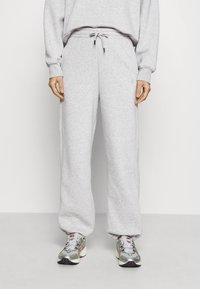 Gestuz - RUBI PANTS - Tracksuit bottoms - grey melange - 0