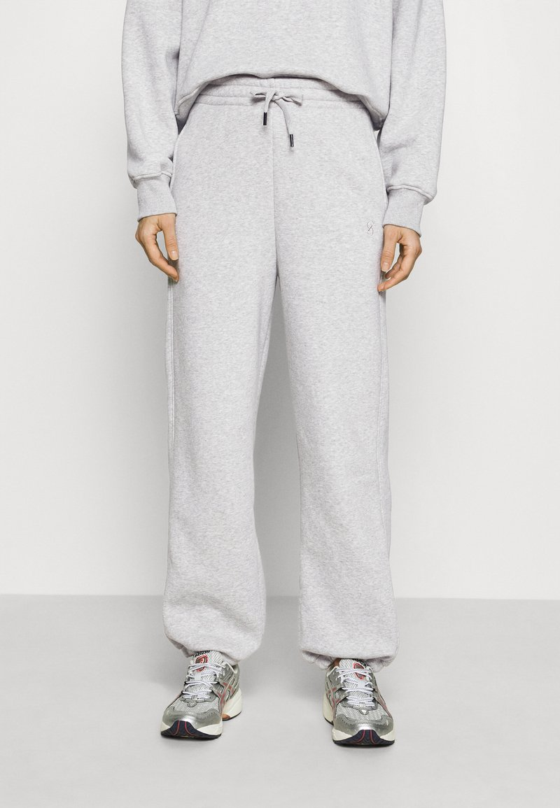 Gestuz - RUBI PANTS - Tracksuit bottoms - grey melange
