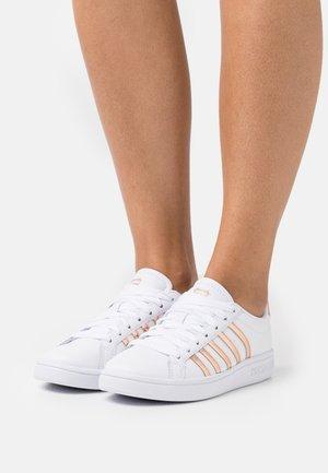 COURT TIEBREAK - Sneakers laag - white/rosegold