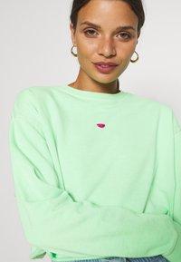 Topshop Petite - WATERMELON - Sweatshirt - green - 5