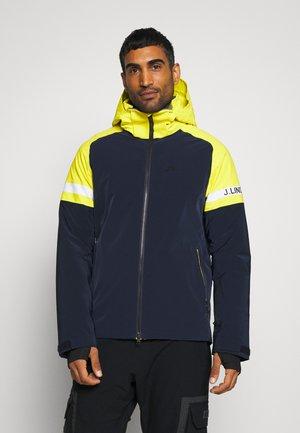 DAN JACKET - Ski jacket - leaf yellow