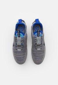 Nike Sportswear - AIR VAPORMAX 2020 FK - Trainers - particle grey/dark obsidian/racer blue - 3