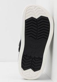Crocs - CROCBAND FULL FORCE  - Sandały kąpielowe - black - 4