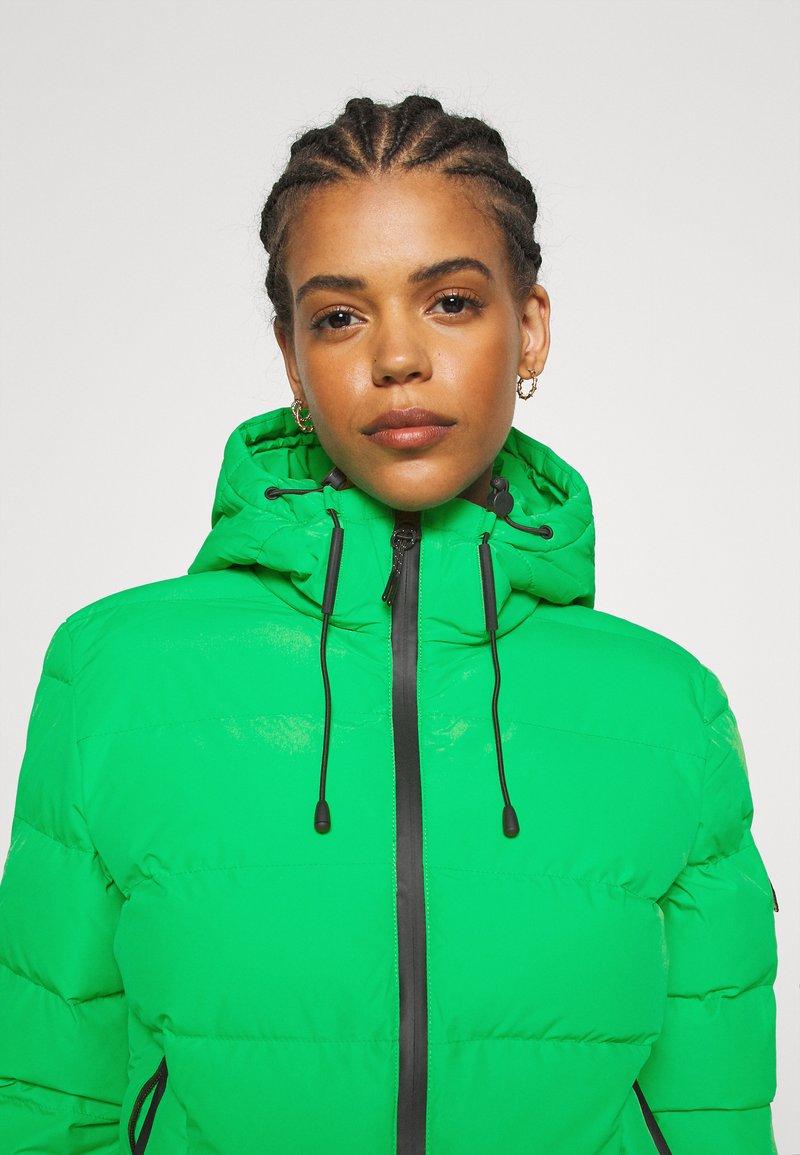 Superdry SPIRIT SPORTS PUFFER - Übergangsjacke - bright green/grün 1pQmH7