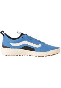 Vans - UA UltraRange EXO - Trainers - directoire blue/antique white - 5