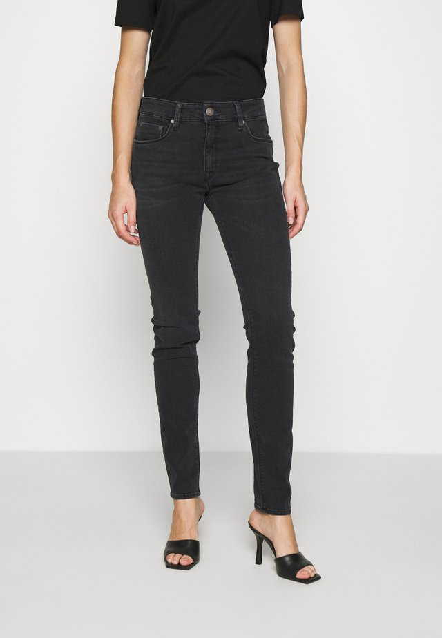 SUPER TOUCH - Jeans slim fit - vampire