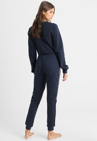 Tommy Hilfiger - AUTHENTIC TRACK PANT  - Pyjama bottoms - blue - 2
