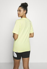 The North Face - W BF SIMPLE DOME - T-shirts - stinger yellow - 2
