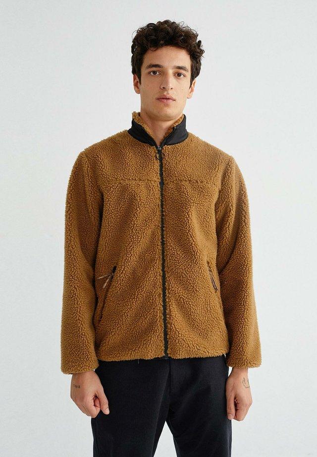TRASH ANGUS - Light jacket - caramel