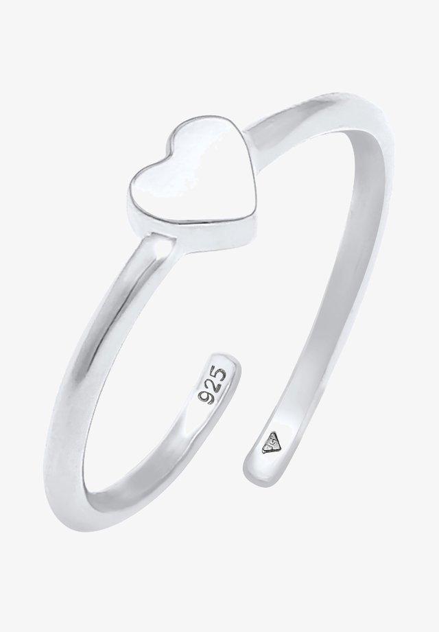 Prsten - silber