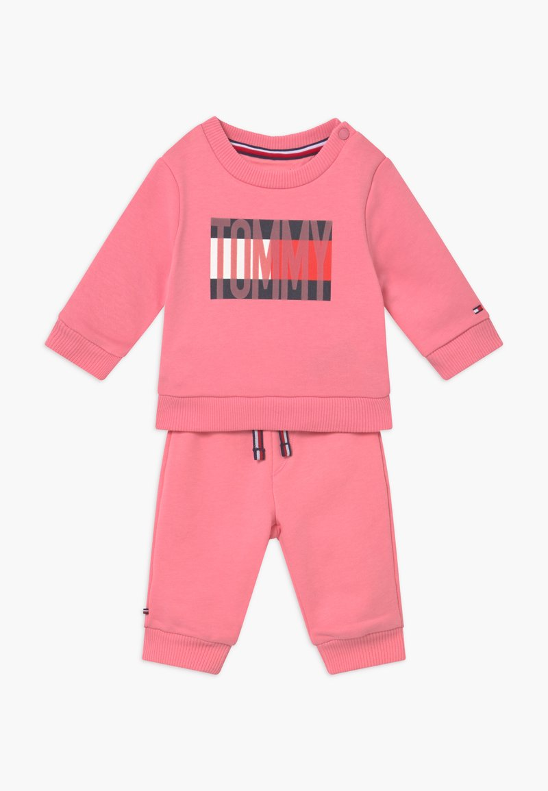 Tommy Hilfiger - BABY FLAG TRACKSUIT SET - Survêtement - pink