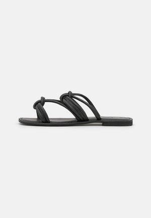 KNOTTED FLAT SQUARE TOE - Slip-ins - black
