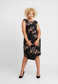 Lauren Ralph Lauren Woman - NOVELLINA CAP SLEEVE DAY DRESS - Jersey dress - black/pink/multi - 2