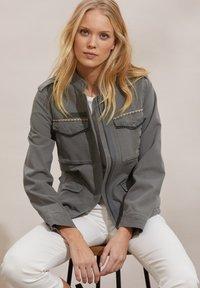 Odd Molly - JODIE - Summer jacket - faded cargo - 4
