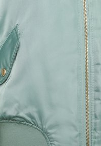 ONLY Tall - ONLPATTY SPRING JACKET TALL - Bomber Jacket - chinois green/cobblestone - 2