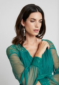 Anaya with love Maternity - LACE YOKE WITH LONG SLEEVES - Vestito elegante - emerald green - 4
